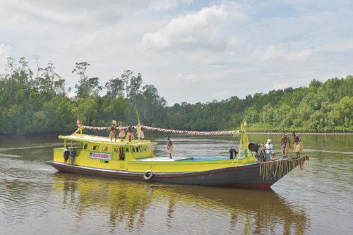 Kapal Ikan yang di hibahkan oleh Biro Ekonomi LPMAK kepada Kelompok Nelayan Mandiri