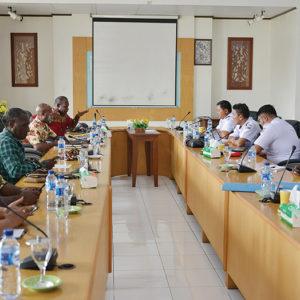 Kunjungan dan Presentasi Tim Balai Pendidikan dan Pelatihan Penerbang (BP3) Banyuwangi di kantor LPMAK, Timika-Papua